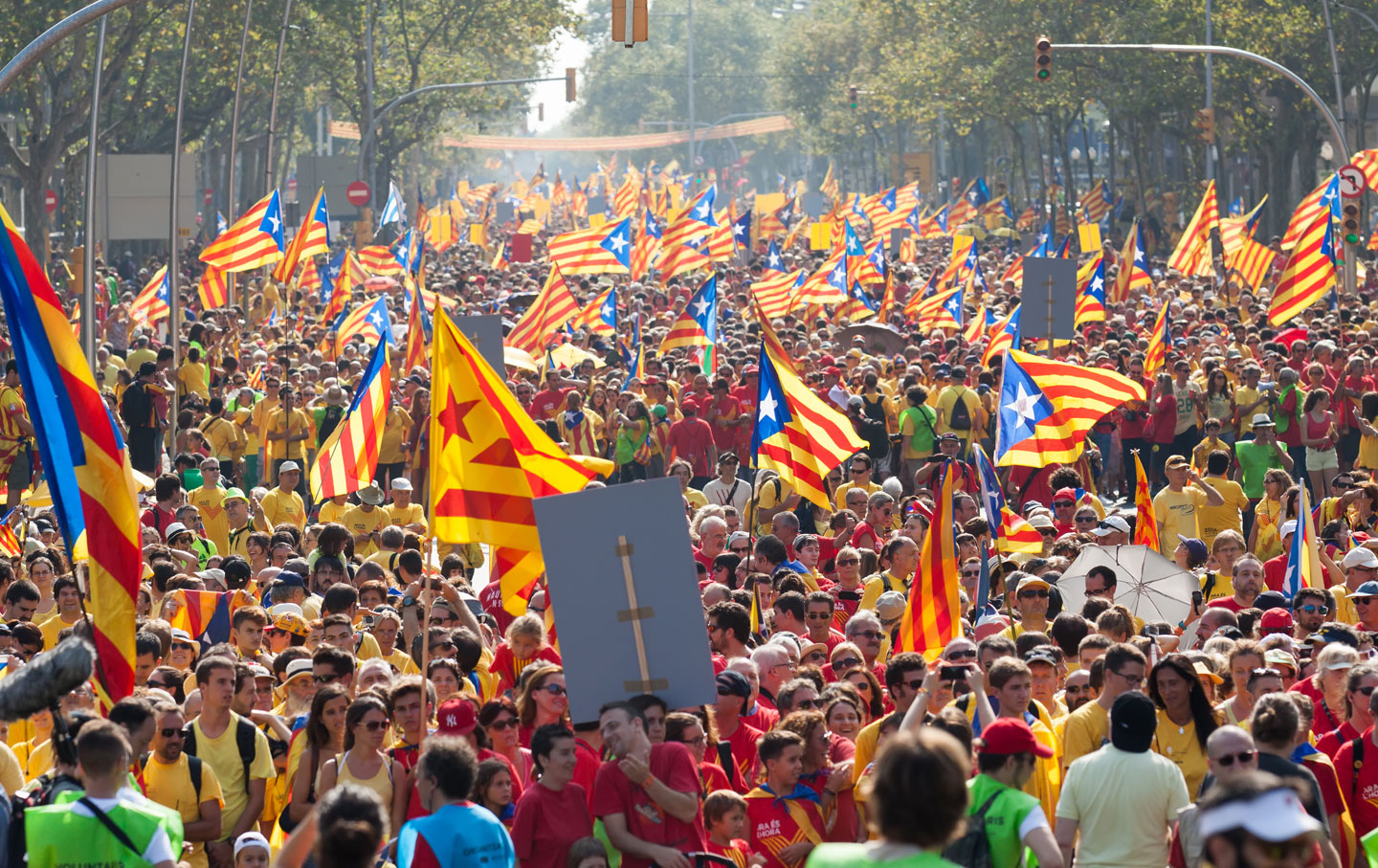 A banner against the Catalonian independence process is
