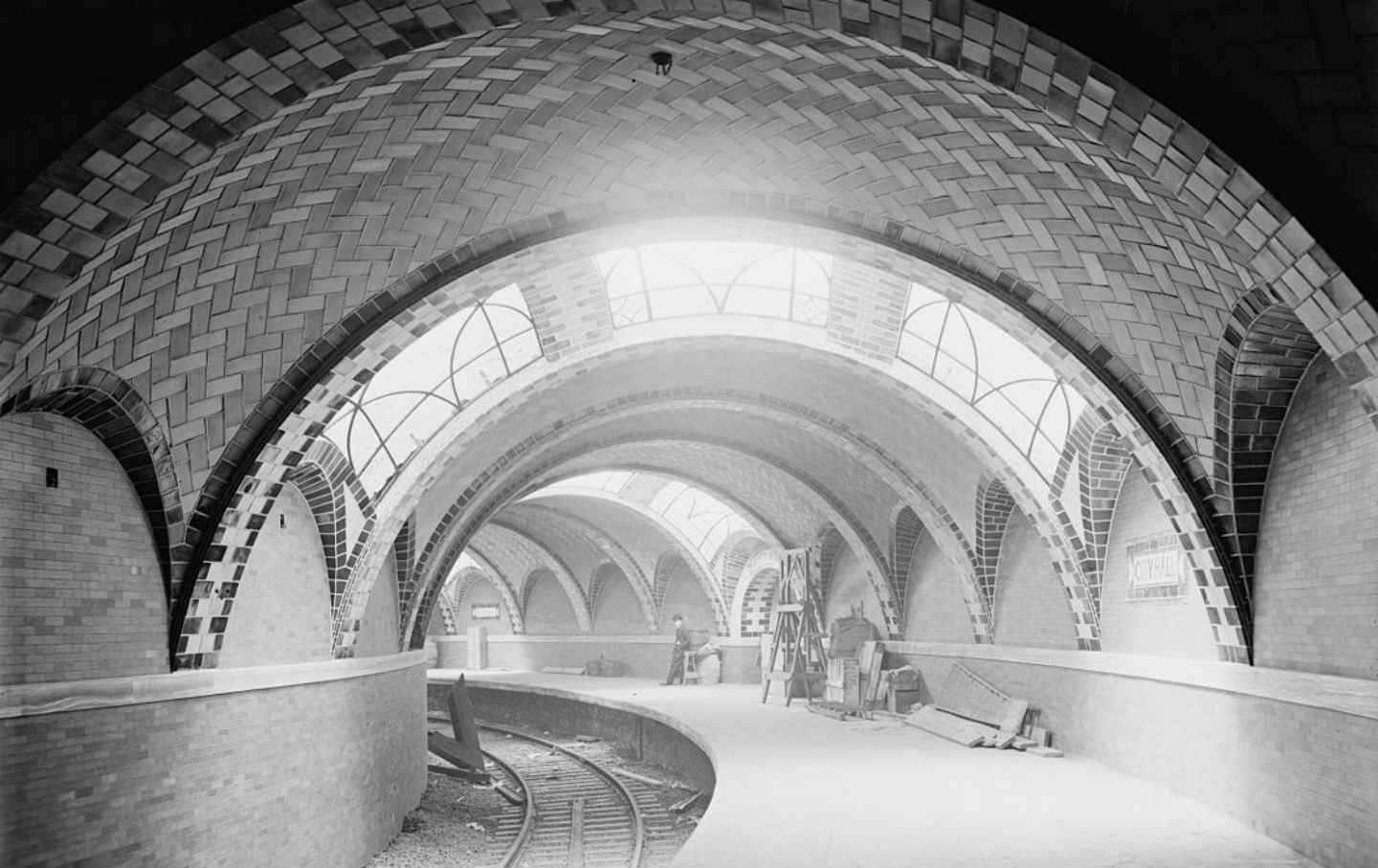 City_Hall_Subway_station_cc_img