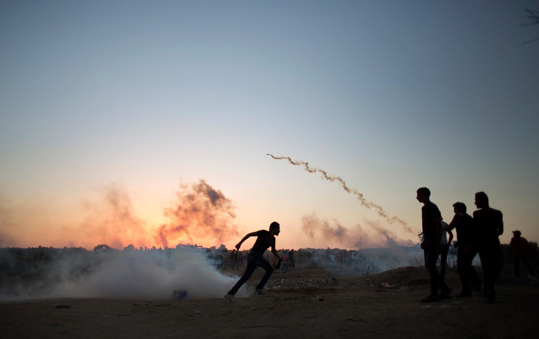 Palestine_Demonstration_Tear_Gas_October_2015_ap_img