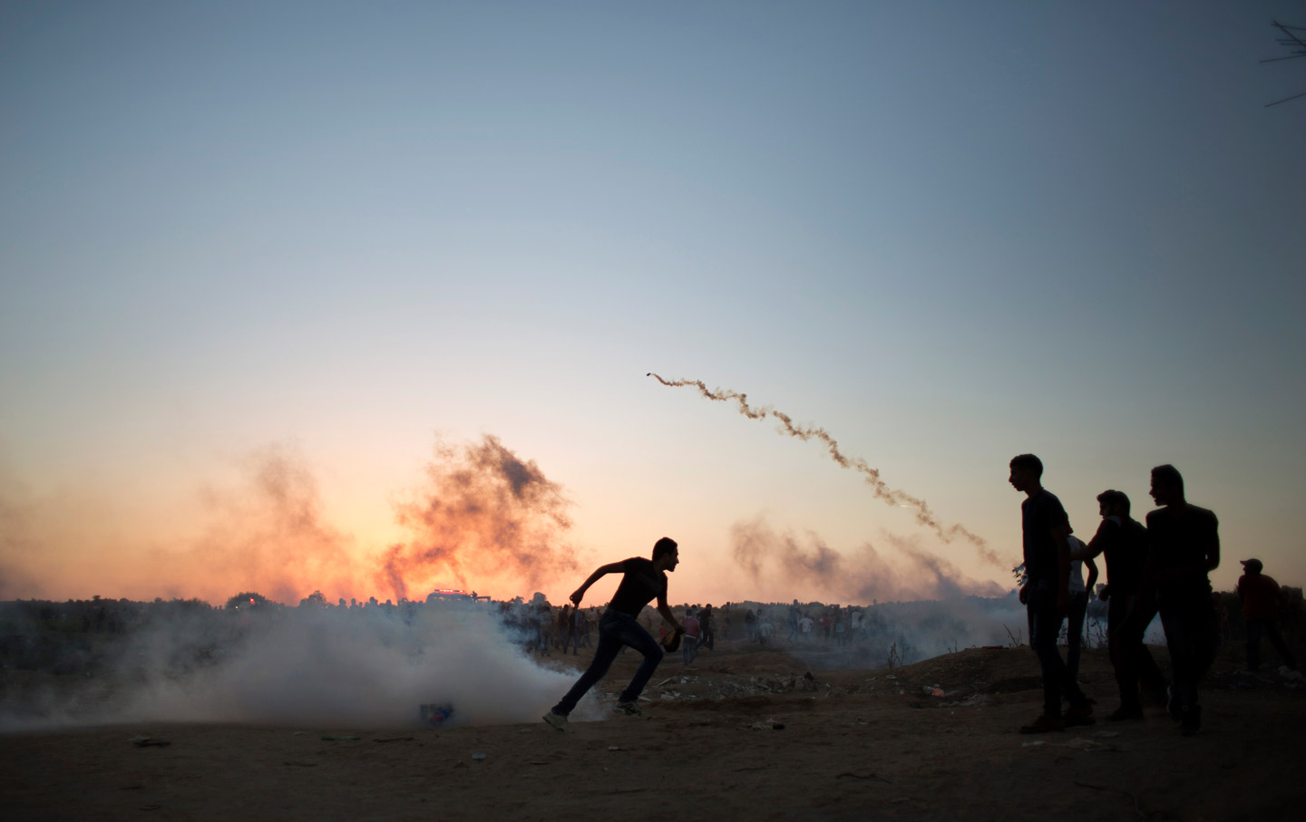 Palestine_Demonstration_Tear_Gas_October_2015_ap_img