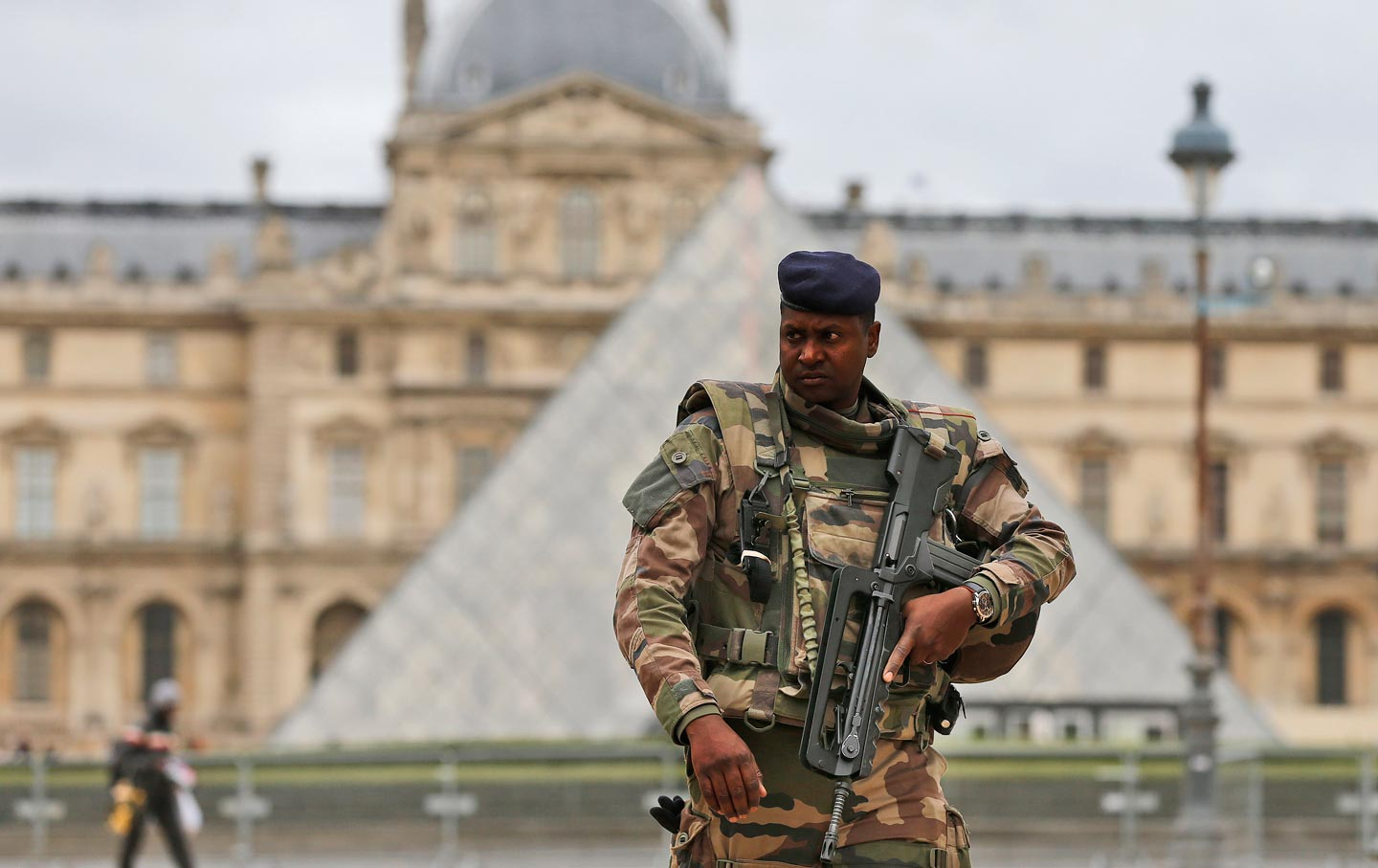 French_Soldier_Louvre_ap_img