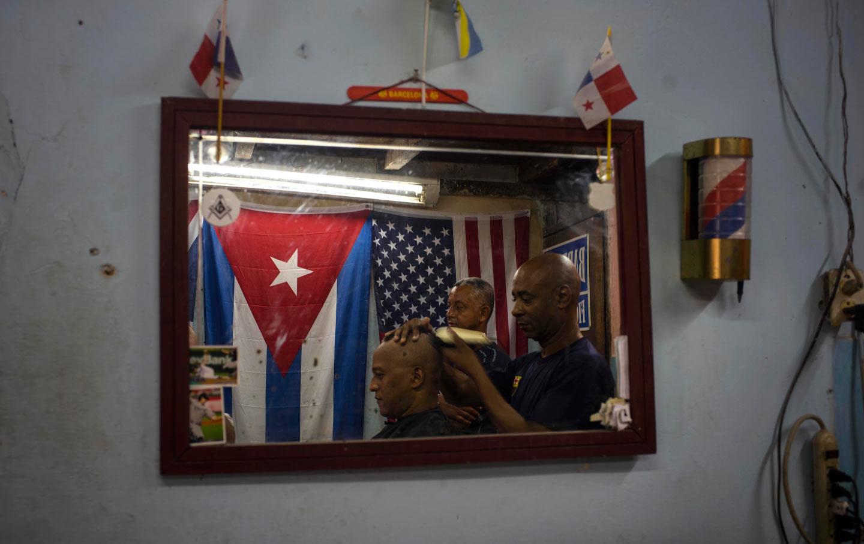 Cuba_US_barber-shop_ap_img