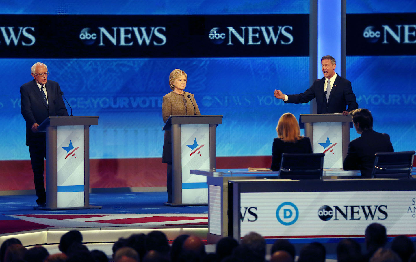 democrats debate in the shadows of a saturday night before christmas