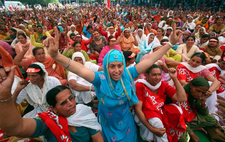 India_-Women_Demonstration_rtr_img