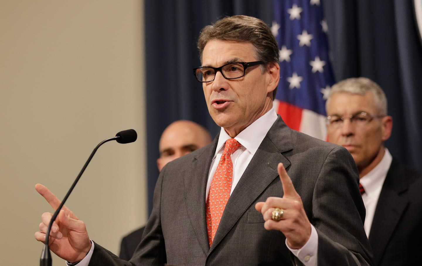 Rick_Perry_Immigration_AP_img