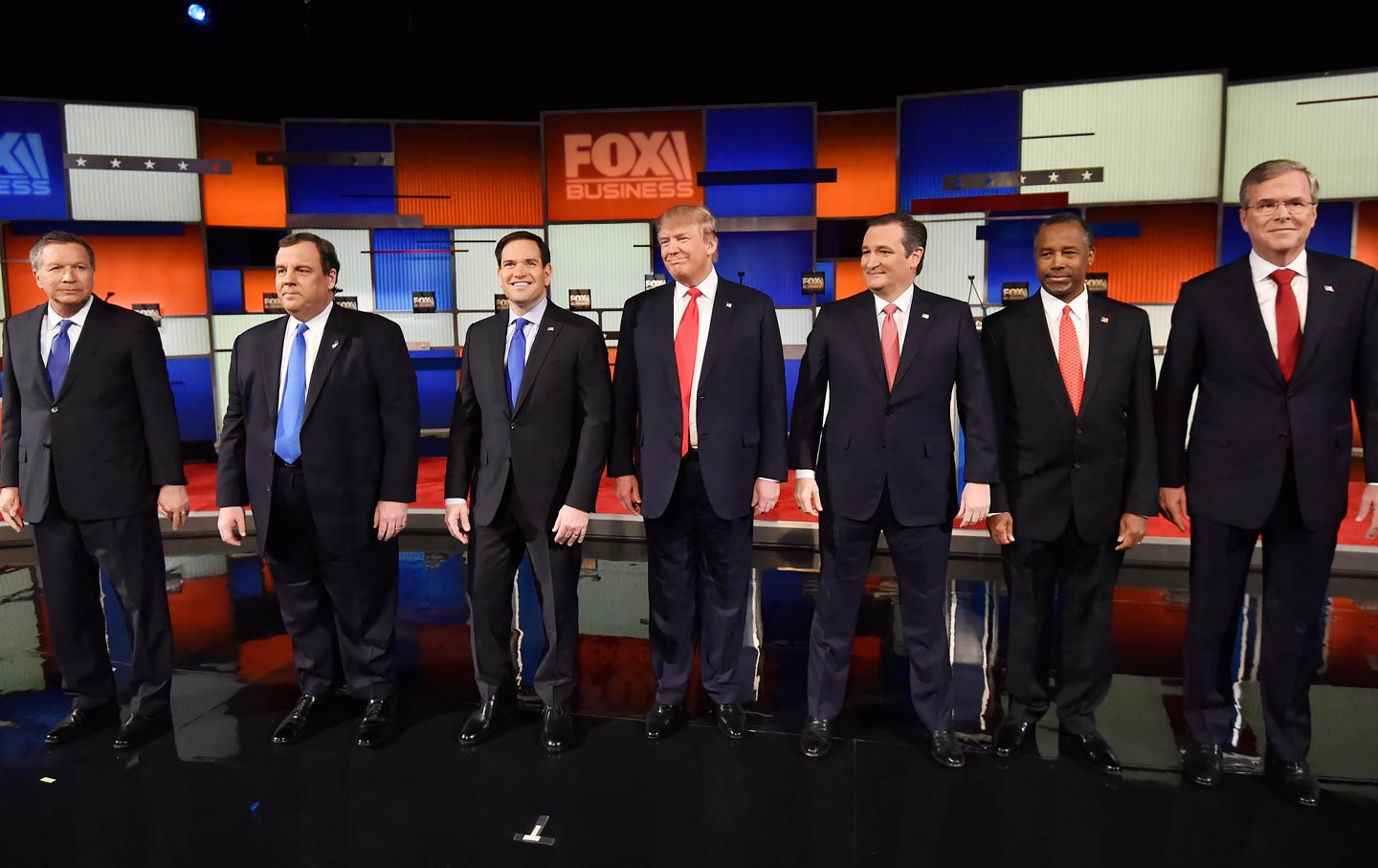 Republican presidential candidates debate on January 14, 2016. (AP ...