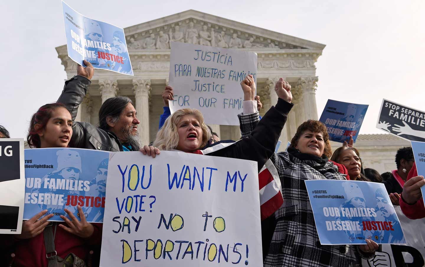 protest_obama_immigration_raids_ap_img