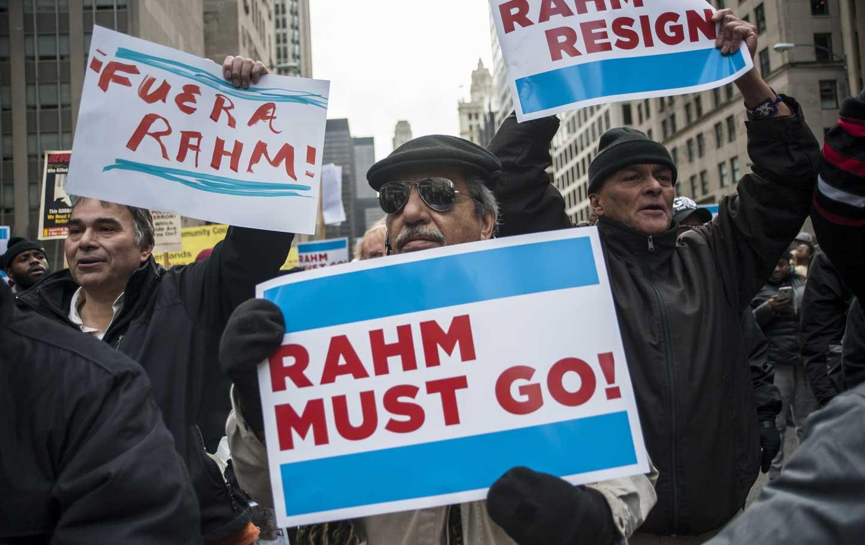 rahm_emanuel_resign_protest_ap_img