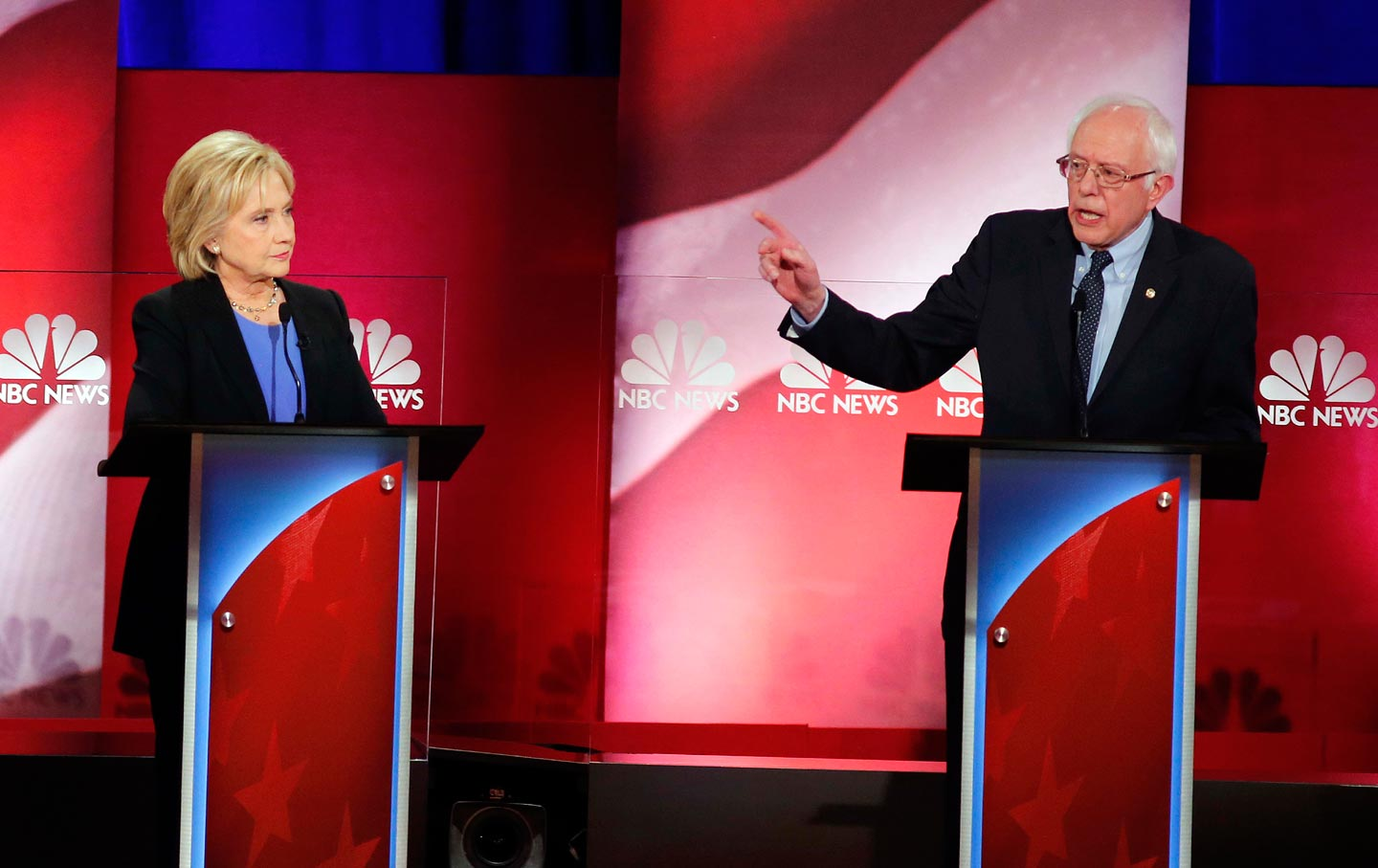 Hillary Clinton Losing Her National Lead Over Bernie Sanders, Poll Shows