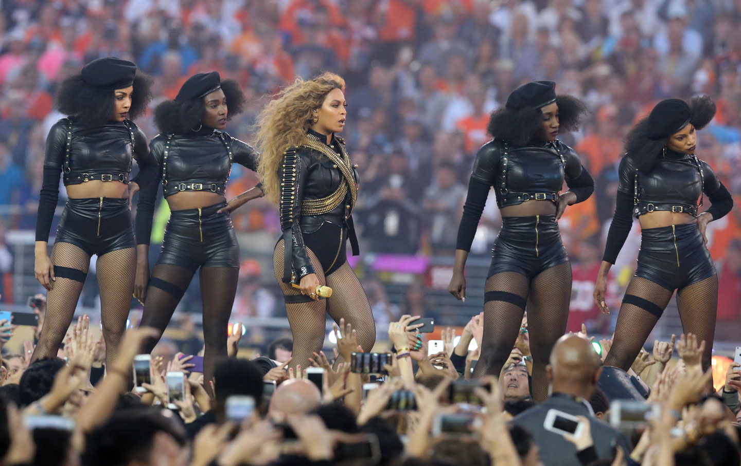 In Defense of Beyoncé's Black Panther Tribute at the Super Bowl ...