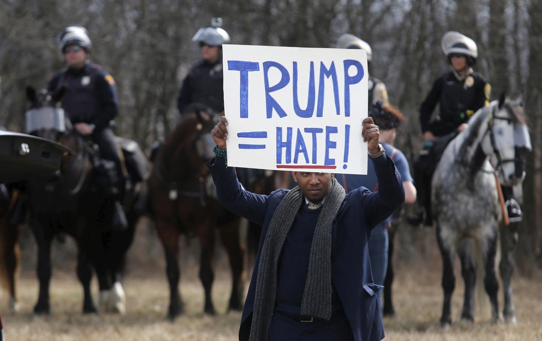 Trump_protestor_RTR_img