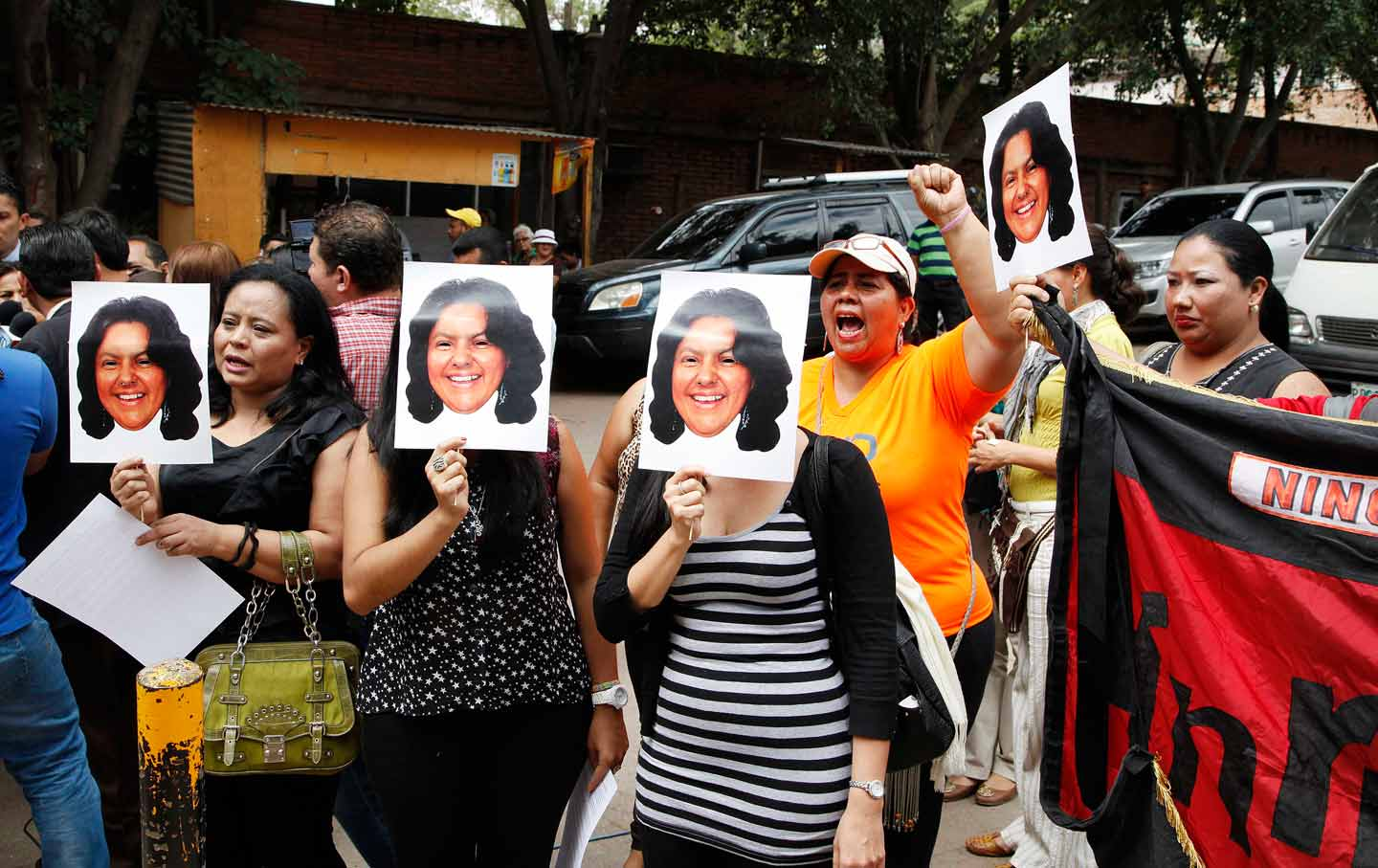 http://www.thenation.com/wp-content/uploads/2016/03/berta_caceres_mourners_ap_img.jpg