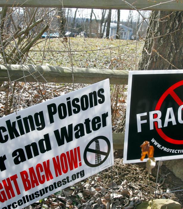 Signs opposing fracking