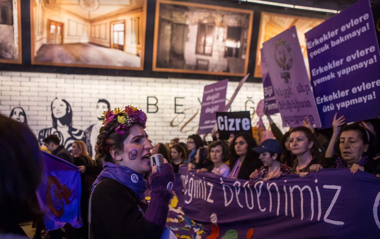 womens_day_rally_turkey_ap_img
