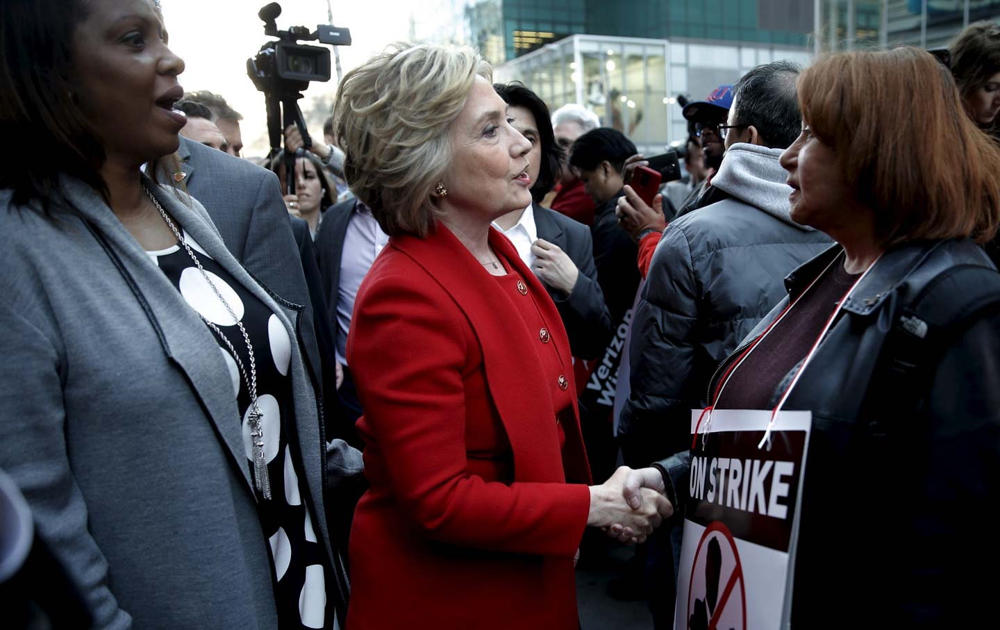 Hillary Clinton on Verizon picket line