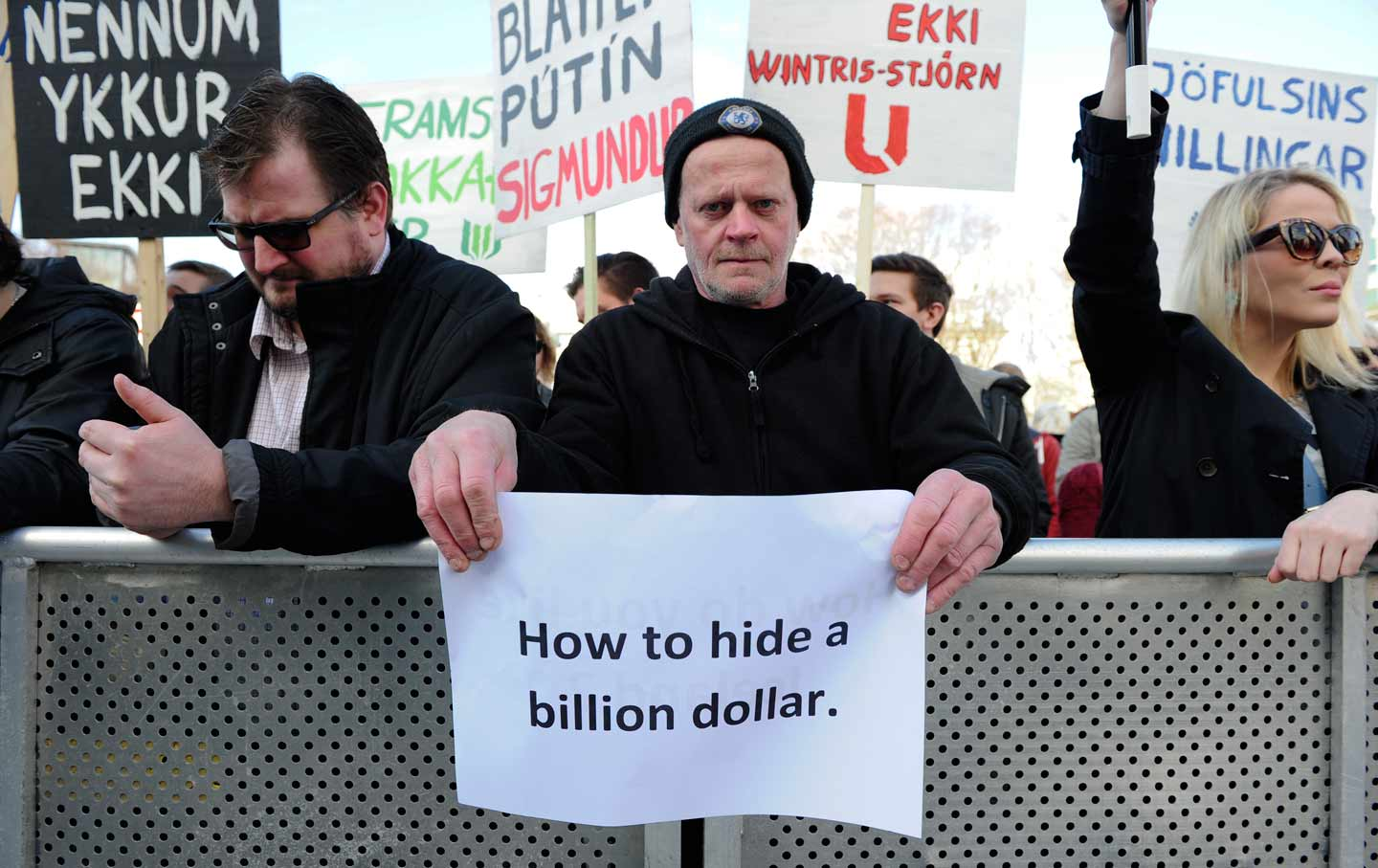 Protesters in Iceland after Panama Papers leak