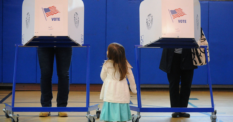 Peopel vote in Glens Falls, NY