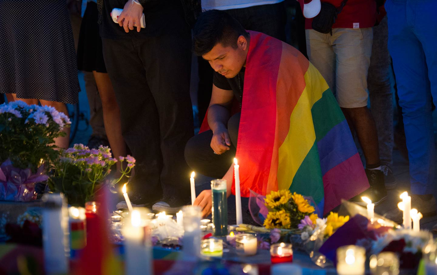 Candlelit vigil for Orlando shooting