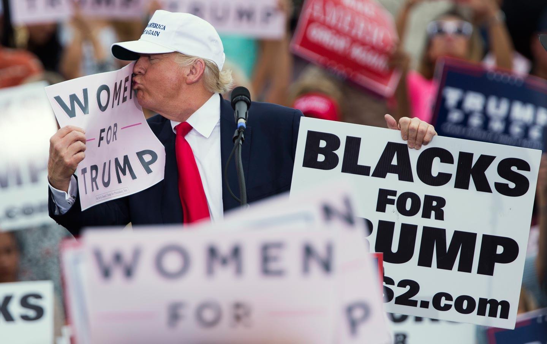 Trump Women Sign