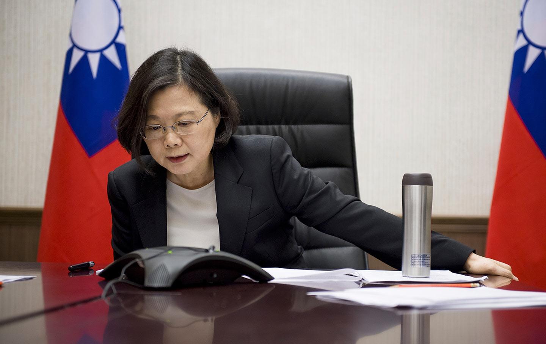 Tsai Ing-wen Calling Trump