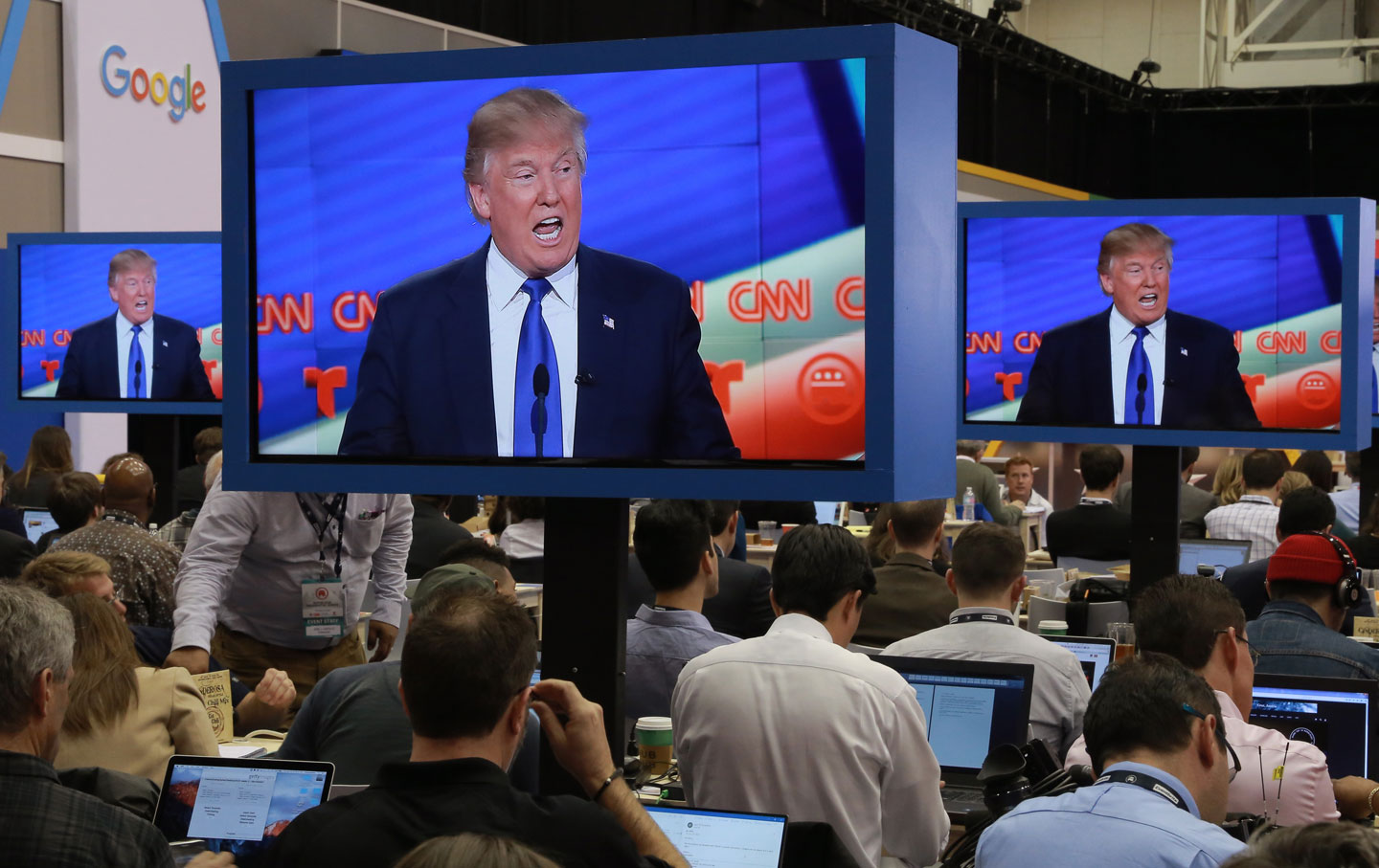 Journalists watch GOP debate