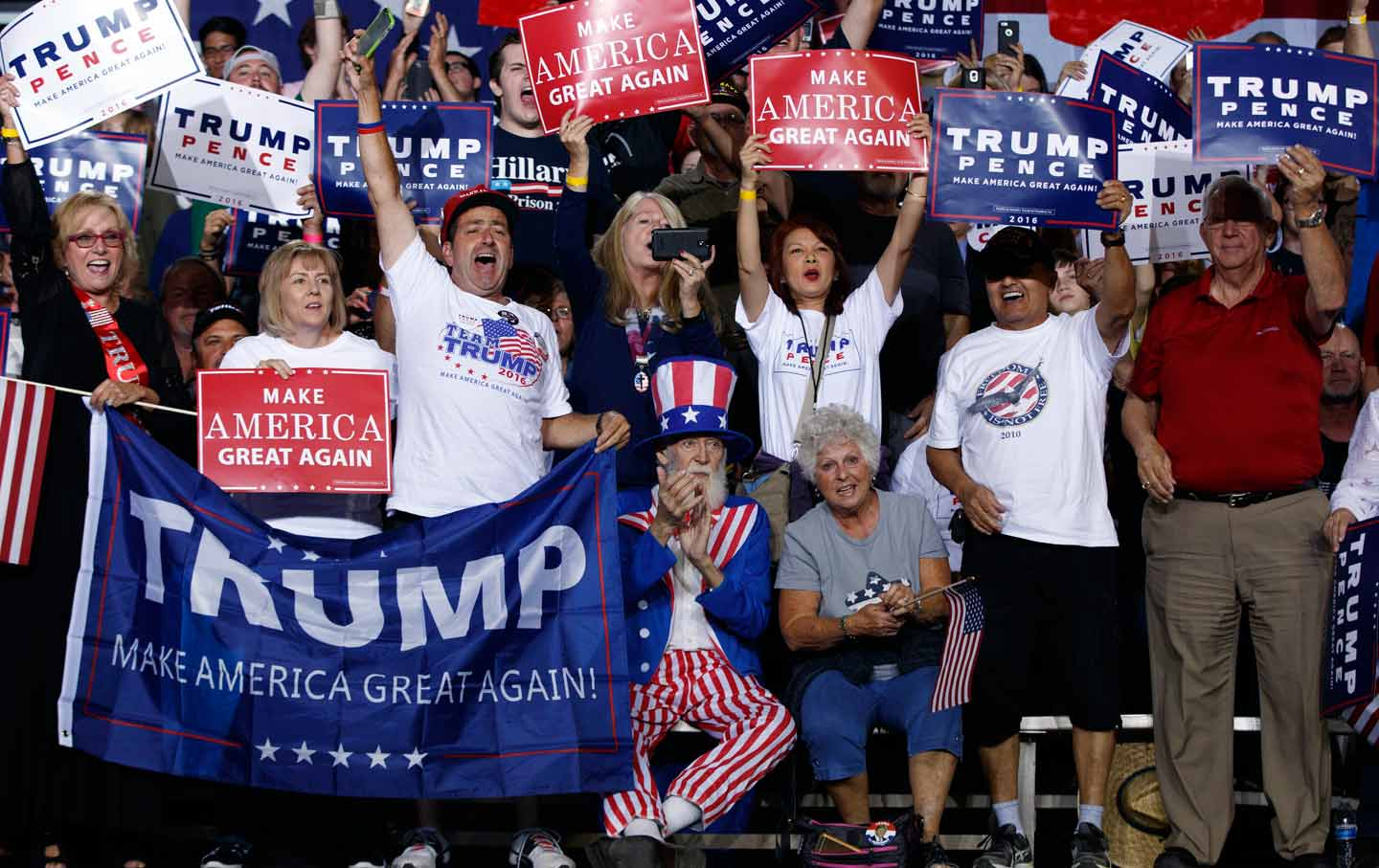 Arizona Supporters Cheer President Elect Donald Trump
