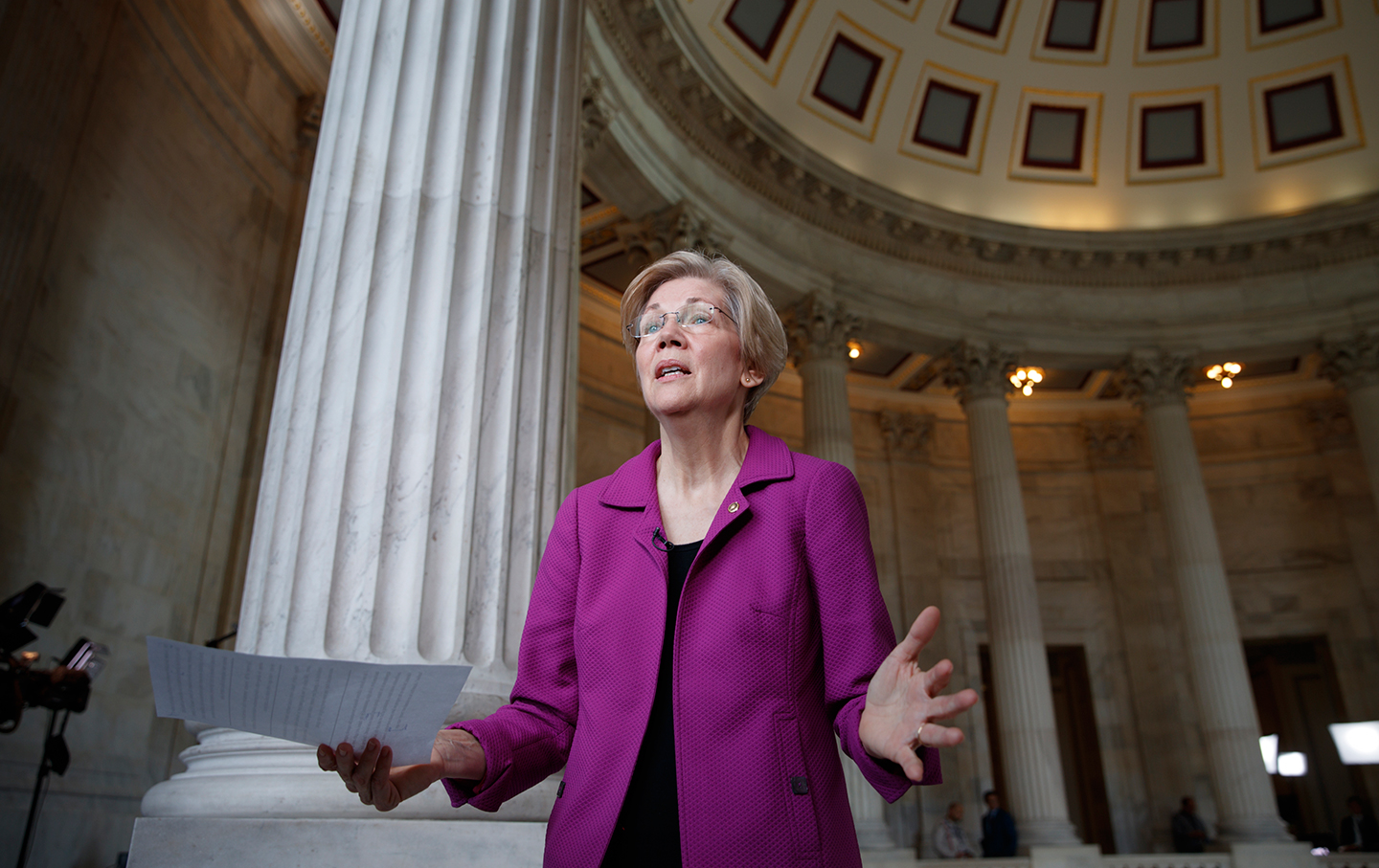 Senator Warren reacts to Sessions' hearing