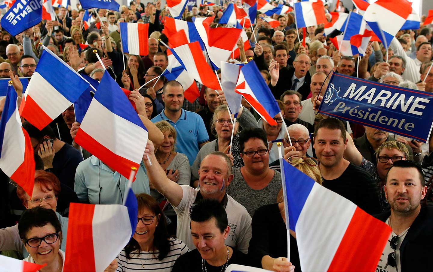 marine-le-pen-supporters