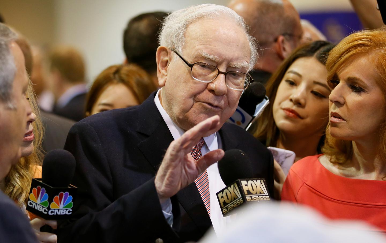 Warren-Buffett-2017-meeting-rtr-img