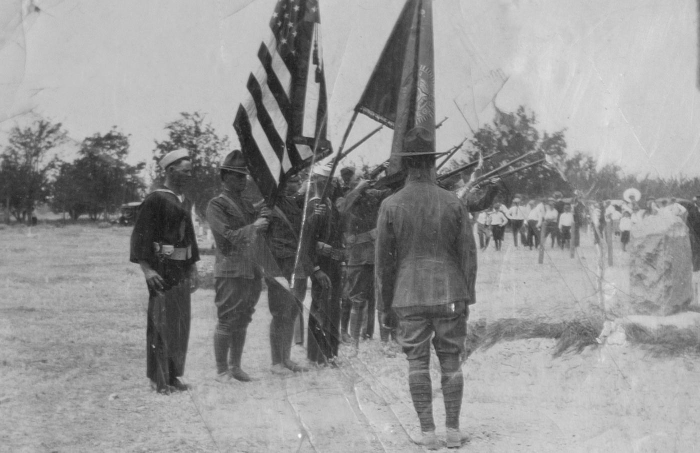Veterans, non-veterans alike remember Memorial Day