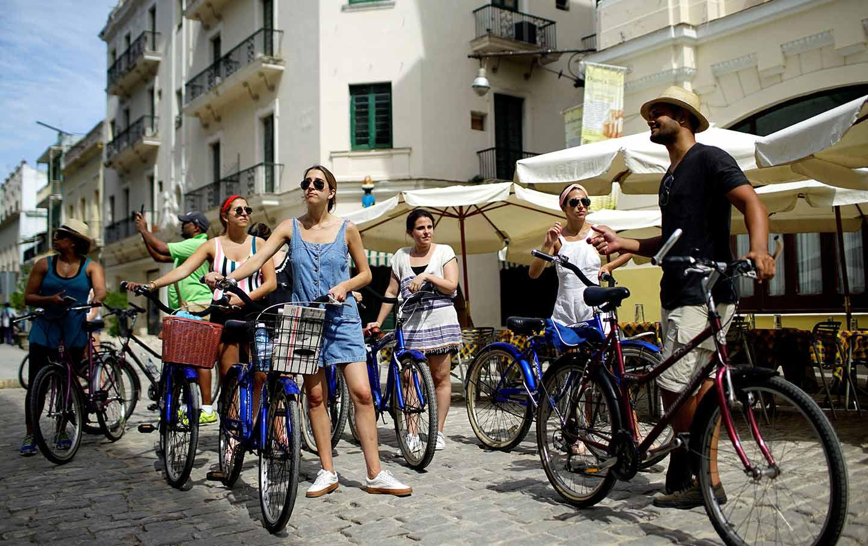 American Tourists in Cuba