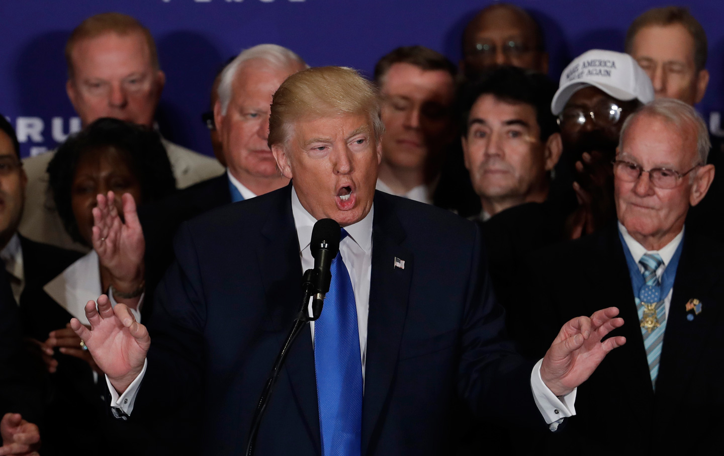Donald-Trump-military-families-campaign-ap-img