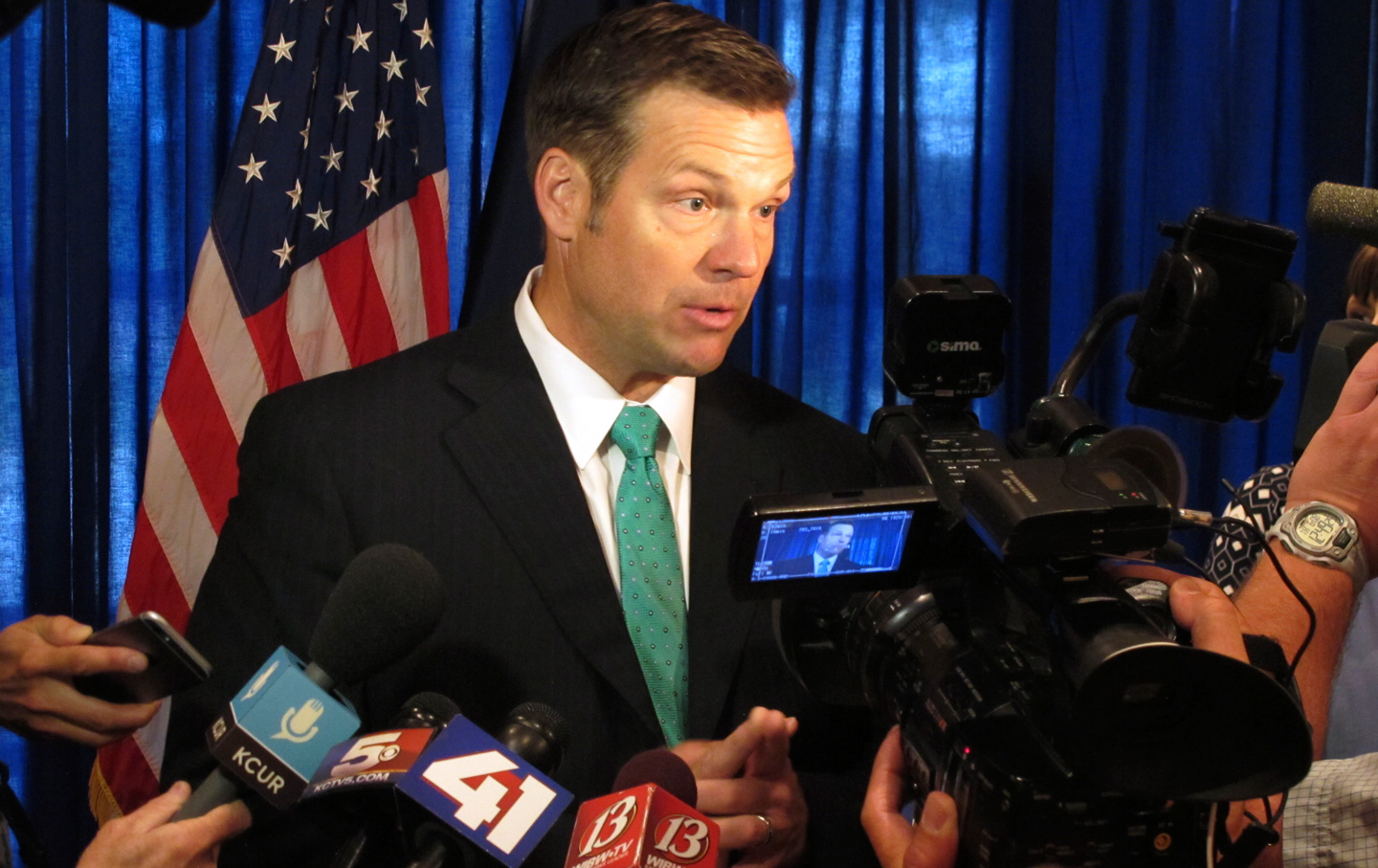 Kris-Kobach-Voter-Commission-ap-img