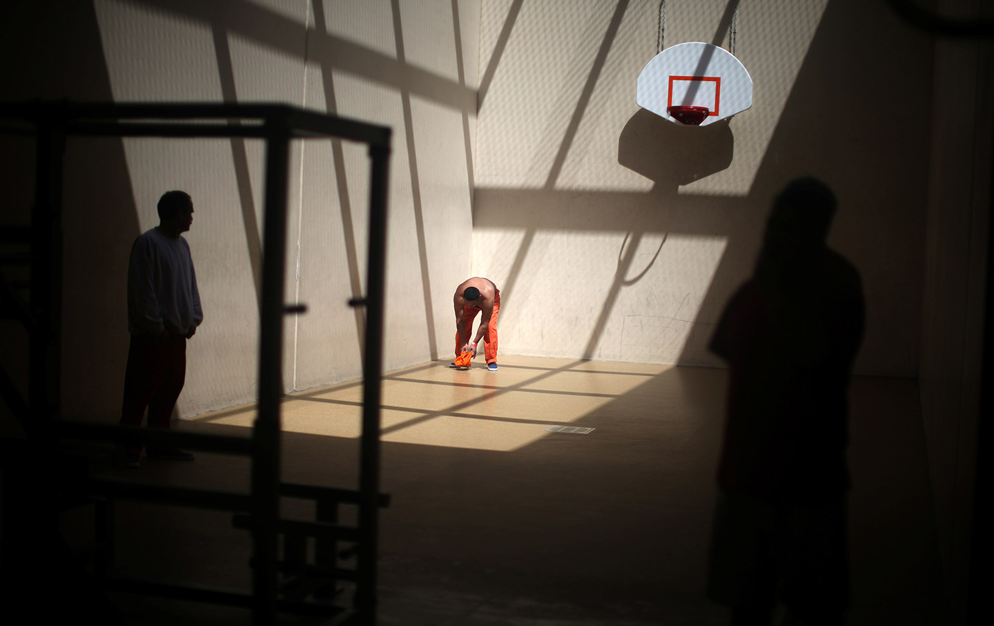 Detainees exercise in a recreation area at the Adelanto  immigration-detention center in Adelanto, California. (Reuters / Lucy  Nicholson)