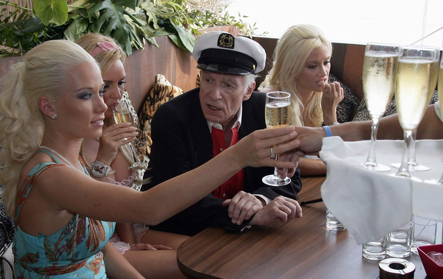 Hefner with his girlfriends