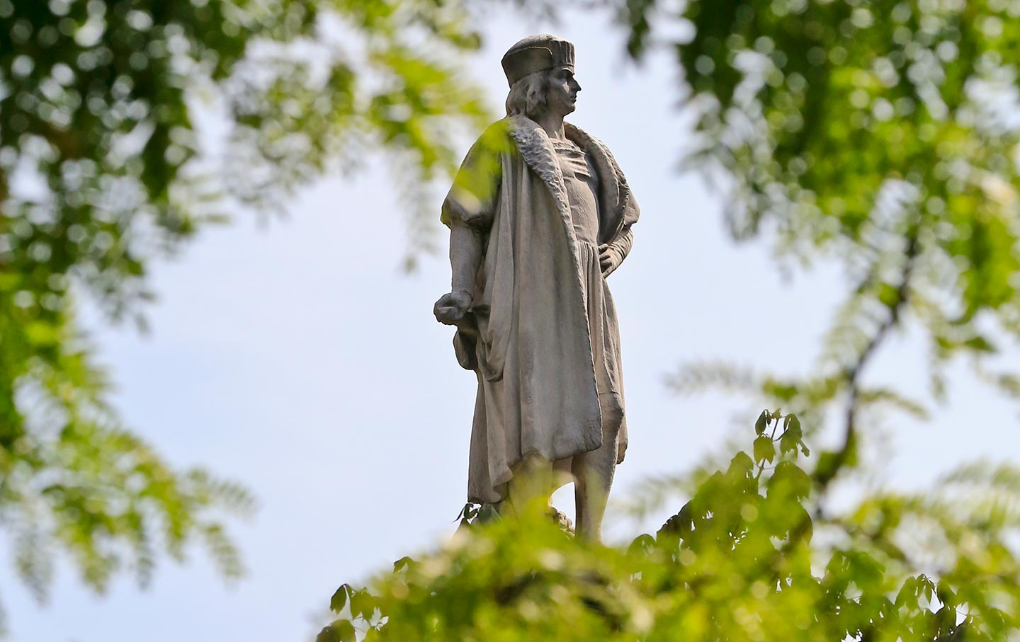 christopher columbus american hero or is I, too, agree that christopher columbus should not be identified as either a hero or a villain given that some schools still teach that he discovered america may make him look like a villain .