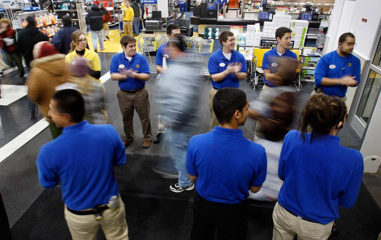 Best Buy retail workers