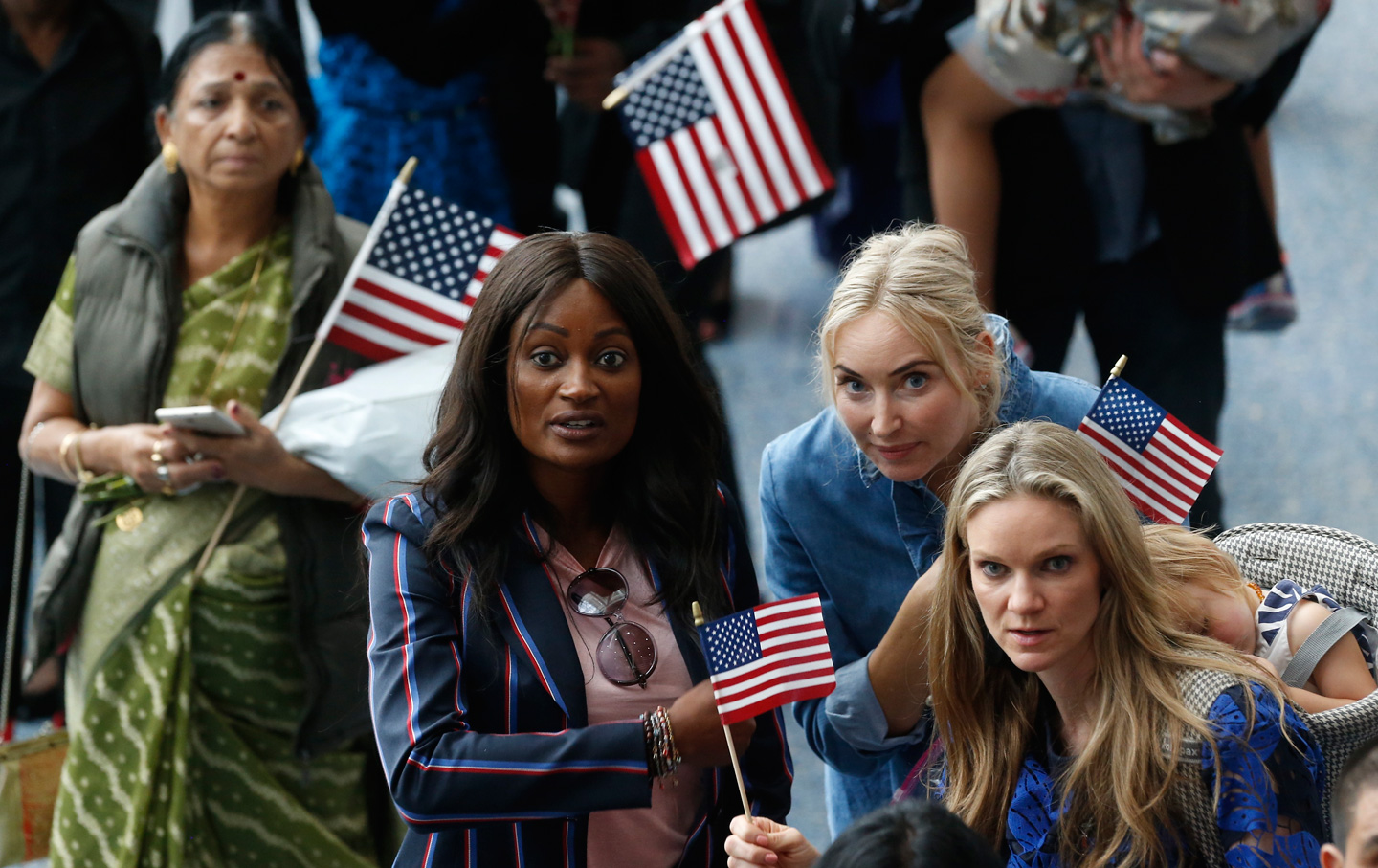 Immigration-New-Citizens-Family-AP-IMG