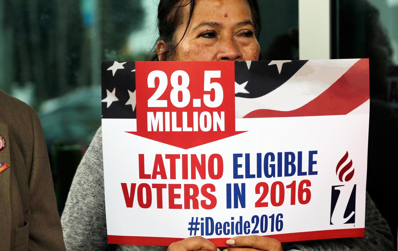 Latino-Voters-2016-AP-img