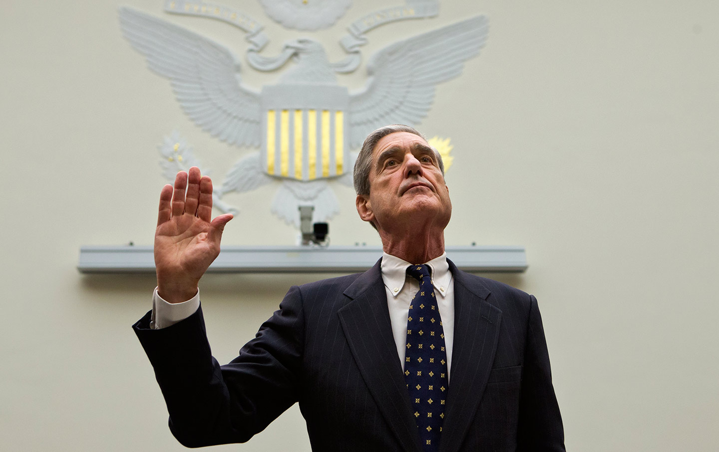 Robert Mueller sworn in