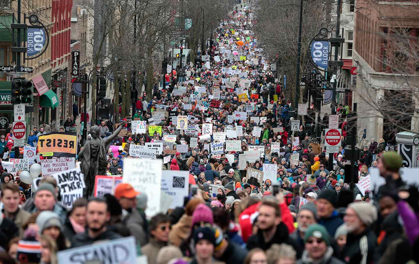 Wisconsin-student-gun-protest-ap-img