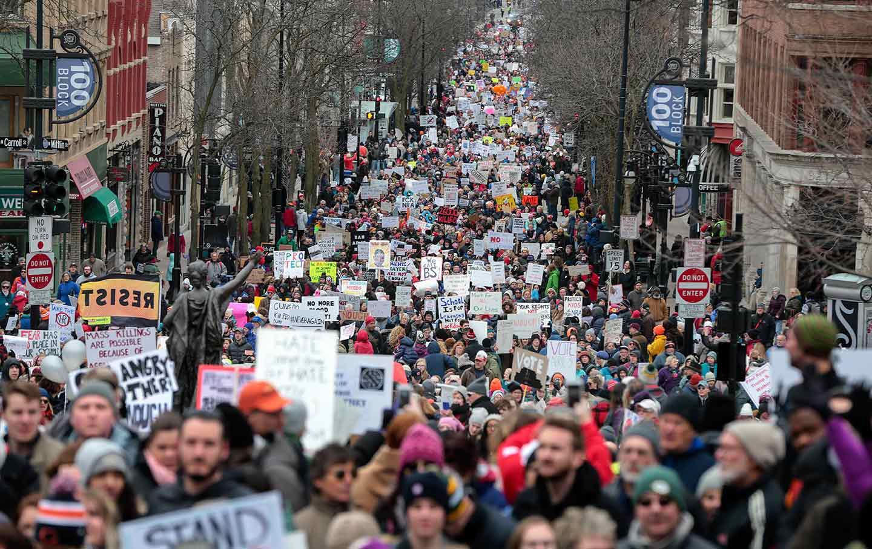 Wisconsin-student-gun-protest-ap-img