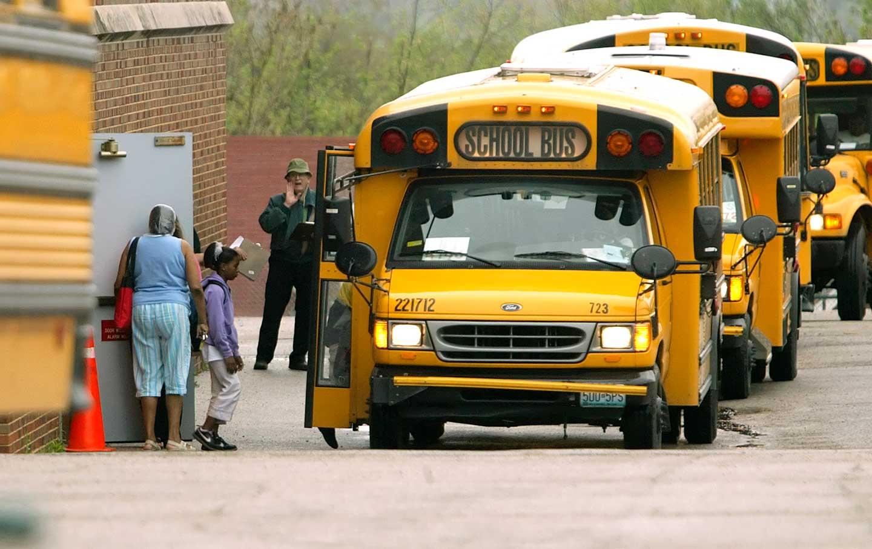 schoolbus_ap-img