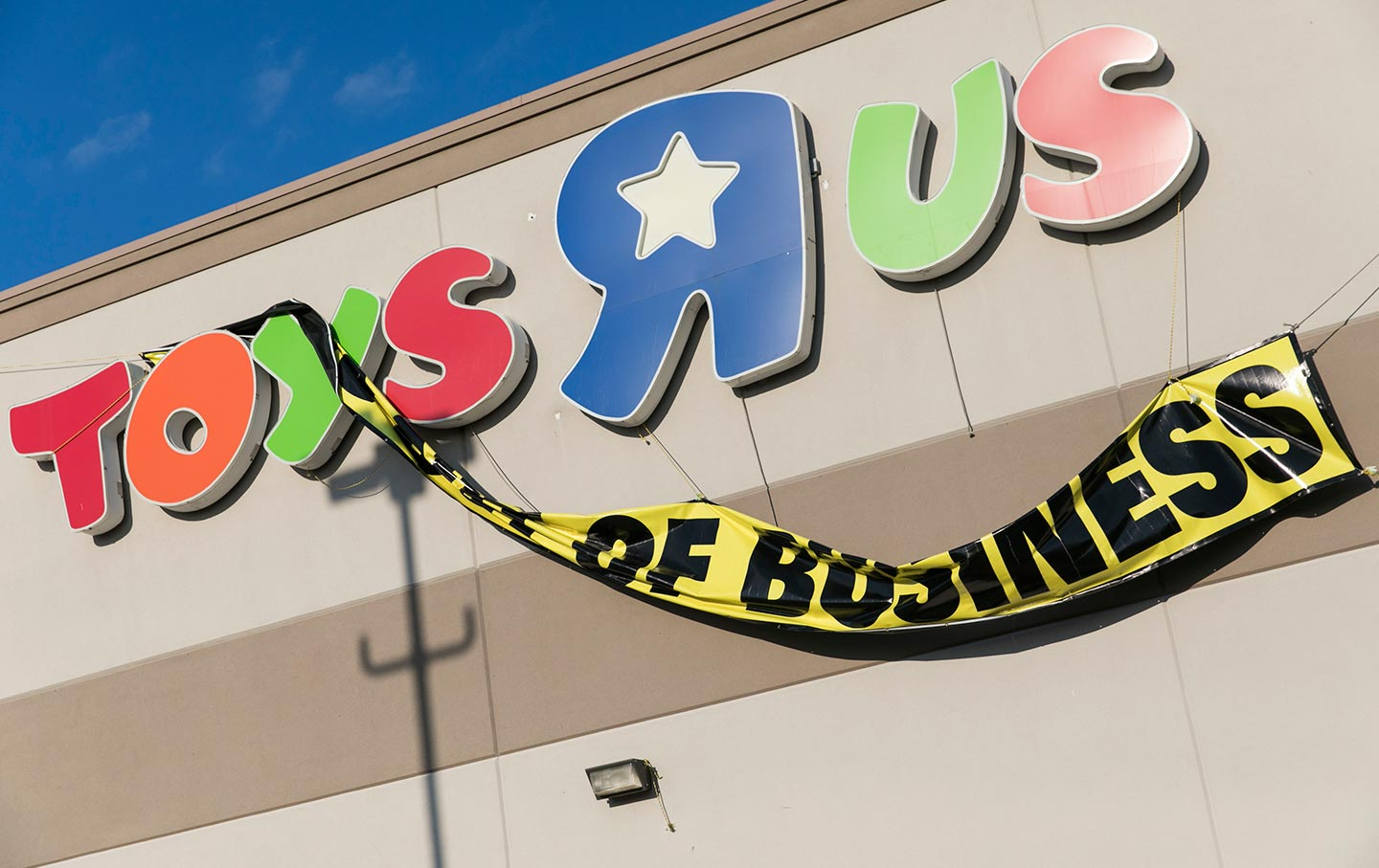 It S Time To Crack Down On The Toys R Us Vulture Capitalists The