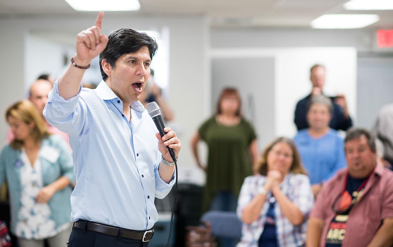 Kevin de Leόn Senate campaign