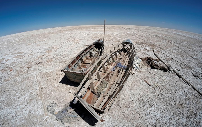 boats-desert-bolivia-rtr-img