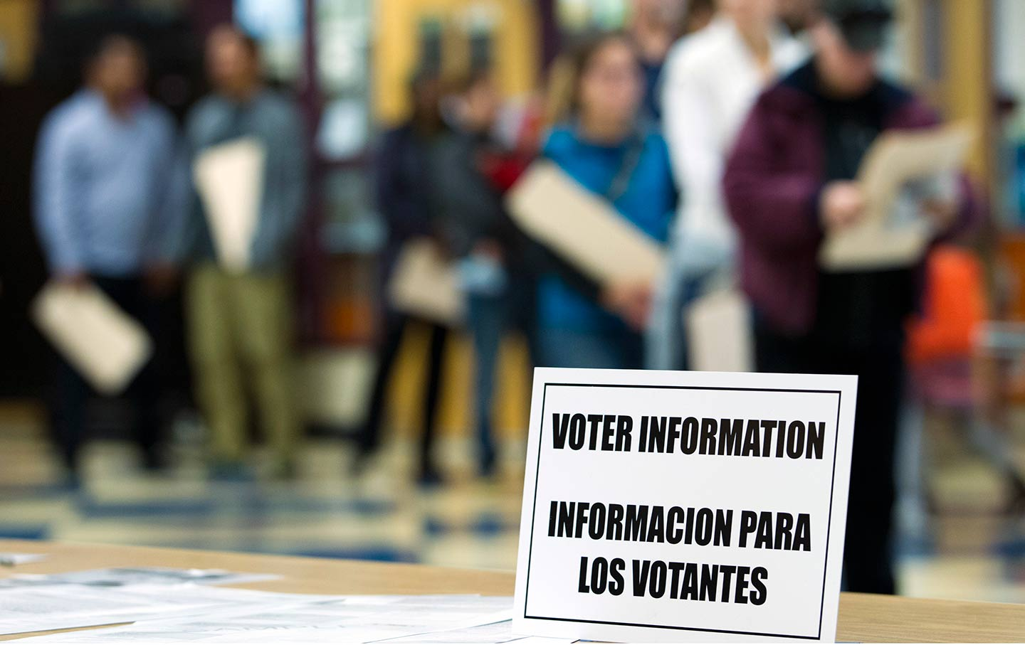 Information Sign About Voting in Spanish