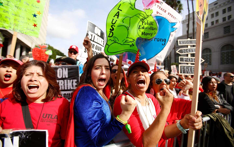 los-angeles-teachers-strike-2019-ap-img