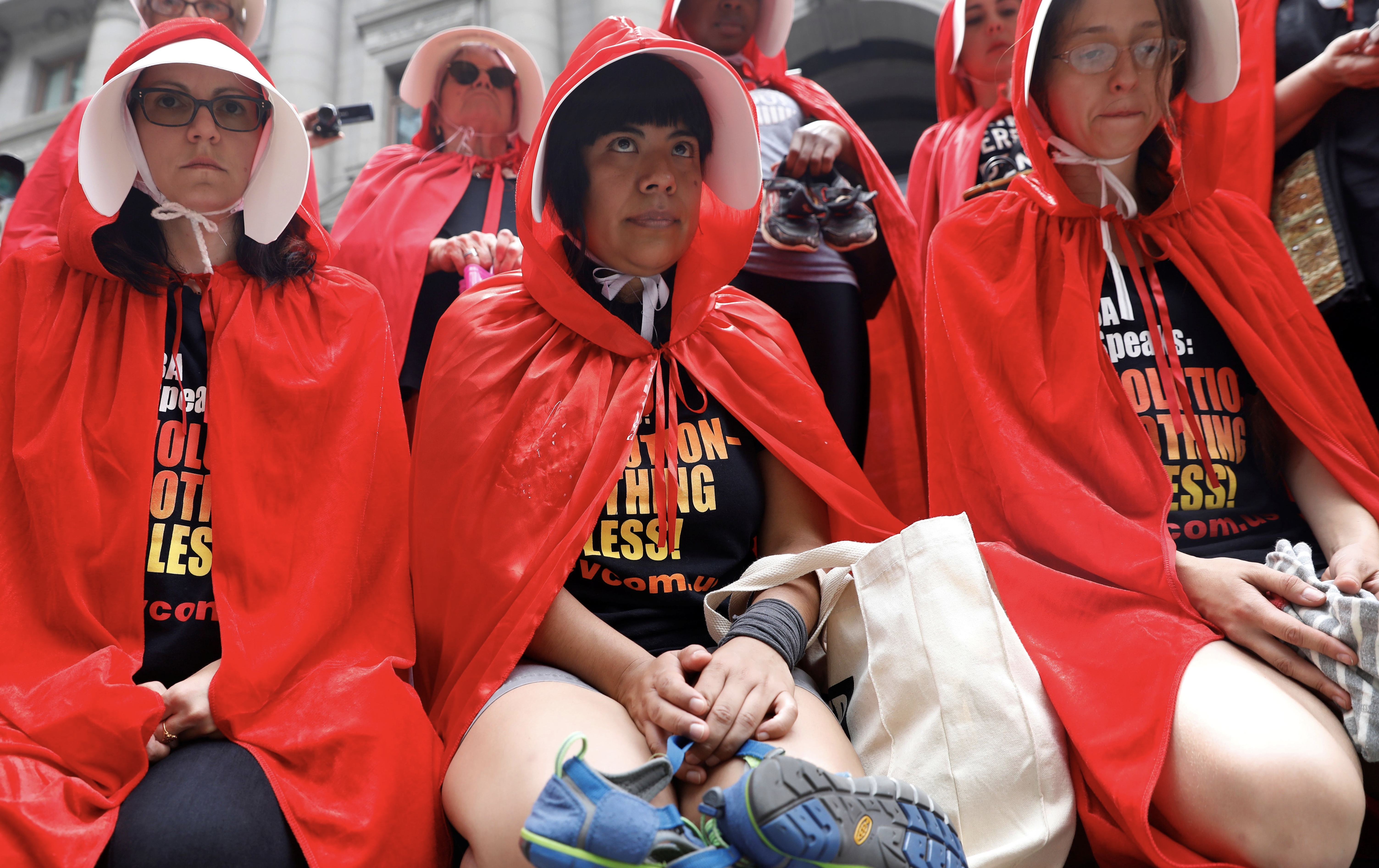 handmaids-protest-pence-ap-img
