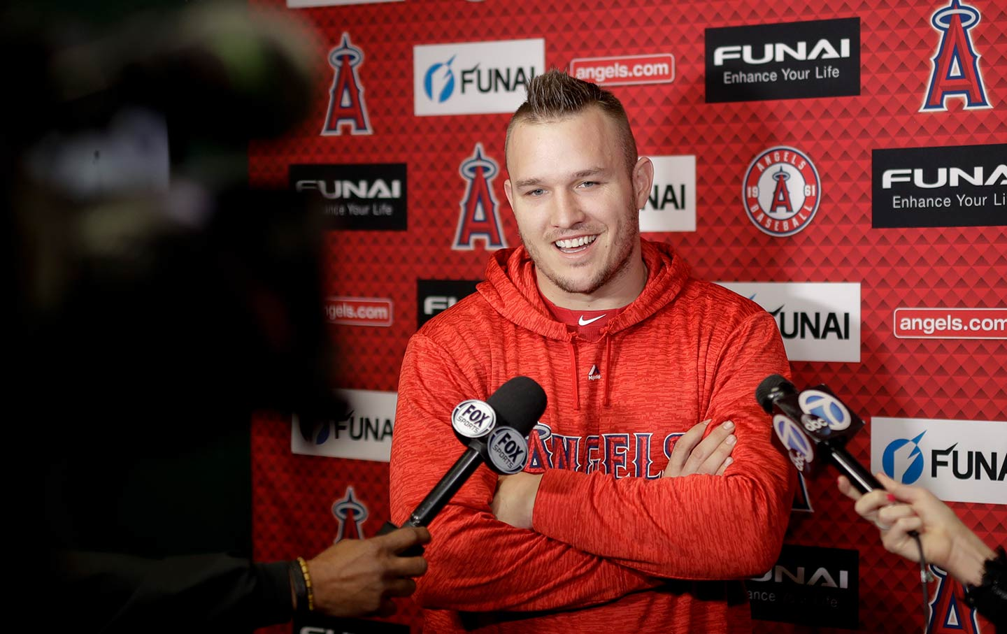 Mike Trout, Angels agree to record $432 million, 12-year deal
